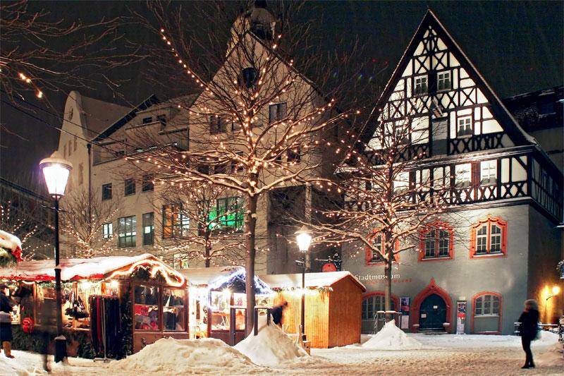 Die Göhre am Rande des Weihnachtsmarktes